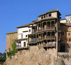 Foto del exterior de las Casas Colgadas de Cuenca