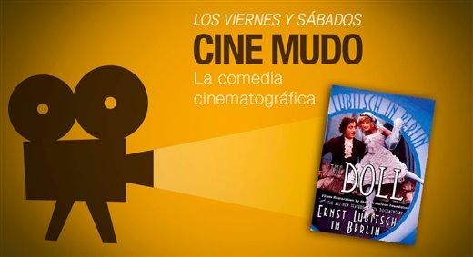 """Proyección de la película """"La muñeca"""""""
