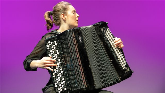 The accordion on the fringes