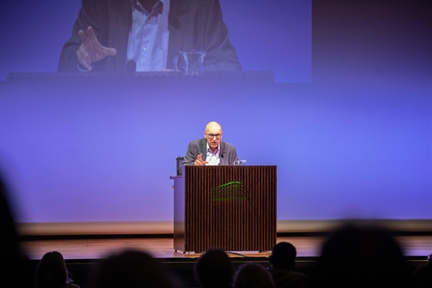 Ciclos de conferencias: En torno a Azorín (II). Azorín: estilo, ensayo, narración y novela