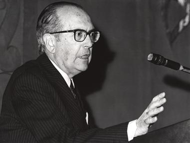 """Lecture Series: Cuatro escritores gallegos (III). """"Valle-Inclán"""""""