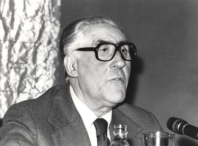 """Ciclos de conferencias: Lectura actual de Galdós (IV). (y IV) """"Fantasmagoría e historia"""""""