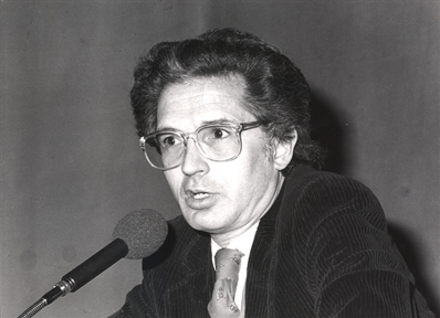 """Ciclos de conferencias: Las búsquedas de Julio Cortázar (II). """"Los juegos"""""""