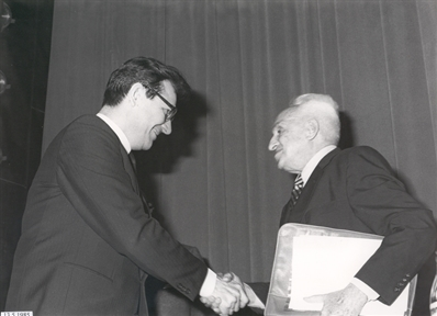 De izda. a drcha.: Yuri Ovchinnikov y Severo Ochoa