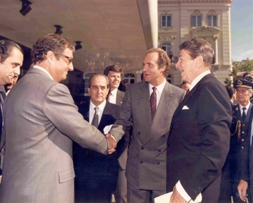De izda. a drcha.: Juan March, Fernando Morán, Don Juan Carlos de Borbón y Ronald Reagan