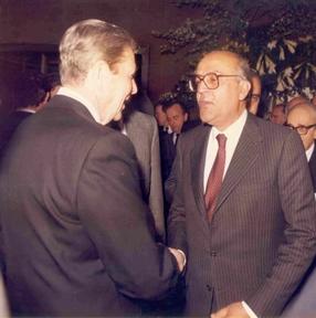 De izda. a drcha.: Ronald Reagan y Leopoldo Calvo Sotelo