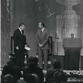 De izda. a drcha.: Ronald Reagan y D. Juan Carlos de Borbón