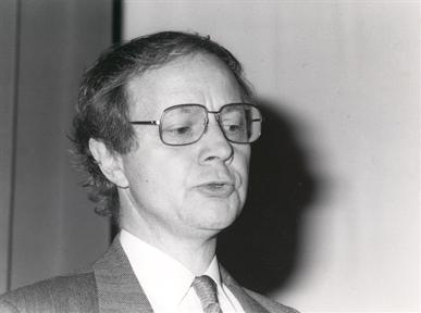 """Conferencias inaugurales: Inauguración de la Exposición """"MAX ERNST"""". """"La estética de Max Ernst"""""""