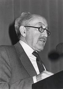 """Ciclos de conferencias: Etapas de la lengua española (II). (II) """"Del latín cantábrico al castellano"""""""