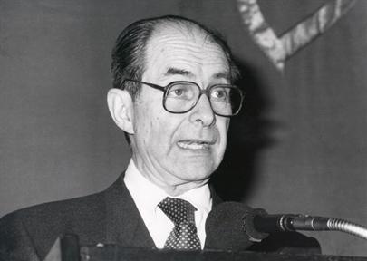 """Lecture Series: Memoria y vigencia de Pedro Salinas (II). (II) """"Salinas and the universalization of Spanish poetry"""""""