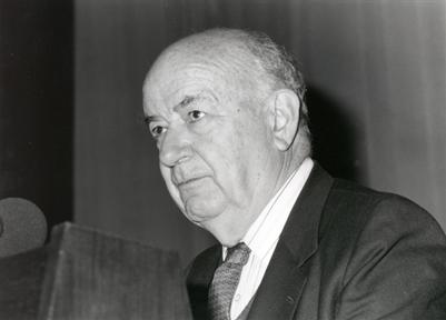 """Ciclos de conferencias: En torno a la Exposición """"Picasso: El sombrero de tres picos"""" (III). """"La España de Pablo Picasso"""""""