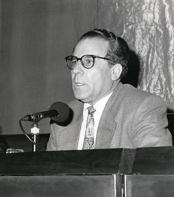 Luciano García Lorenzo (presentador-moderador)