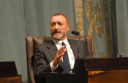 "Lecture Series: ""Best sellers"". A study of popular literature (IV). Arturo Pérez-Reverte talks to Sergio Vila-Sanjuán"
