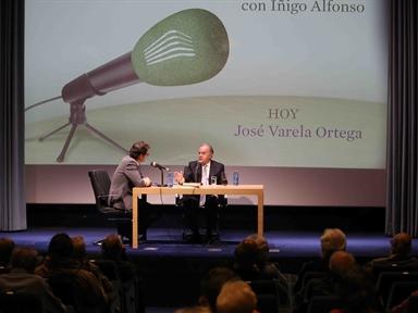 De izda. a drcha.: Íñigo Alfonso y José Varela Ortega