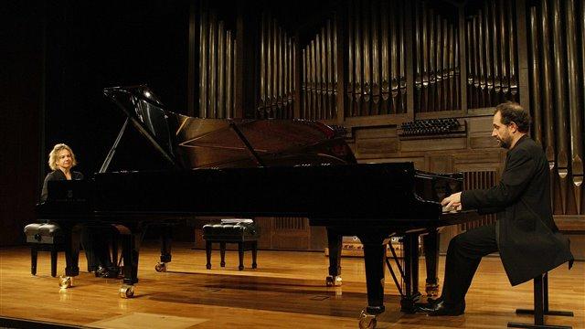 John Cage: danza para dos pianos preparados
