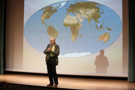 Ciclos de conferencias: La búsqueda de los confines (II). Exploraciones en el mundo helado: la Antártida