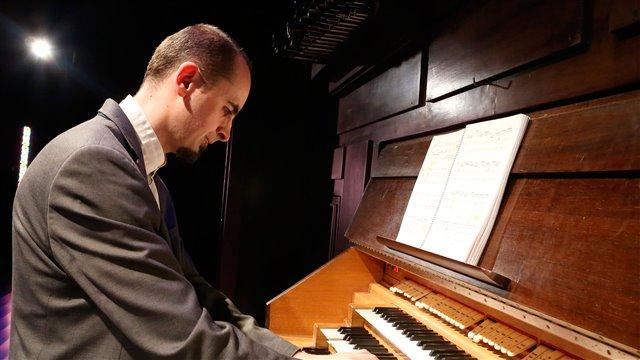 Bach's Fugue for organ
