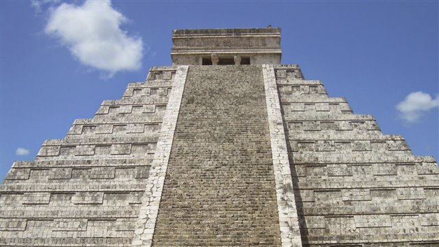 The pyramid of Kukulkan. The union of heaven and earth