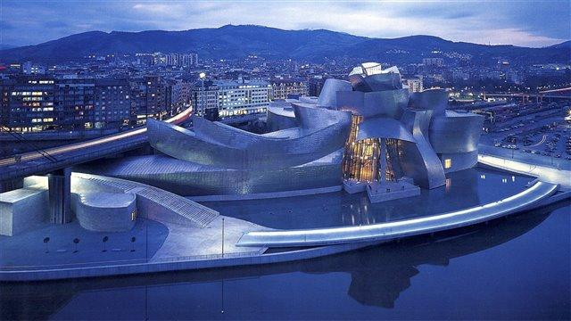 El Museo Guggenheim de Bilbao: arquitectura y espectáculo