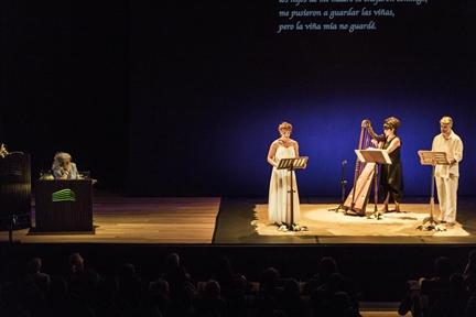 De izda. a drcha.: Emilia Fernández Tejero, Lidia Otón, Sara Águeda y Ernesto Arias