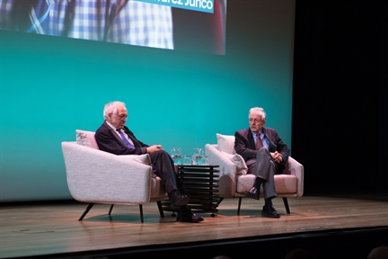 De izda. a drcha.: José Álvarez Junco y Juan Pablo Fusi