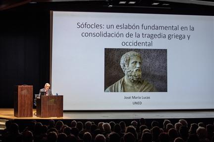 Lecture Series: Teatro griego: origen, autores y puesta en escena (III). Sófocles: un eslabón fundamental en la consolidación de la tragedia griega y occidental