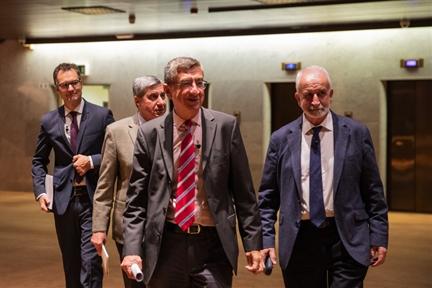 De izda. a drcha.: Íñigo Alfonso, José Luis García Delgado, Antonio San José y Salvador Gutiérrez Ordóñez