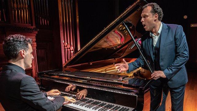 Clichés musicales: Rusia canta a España