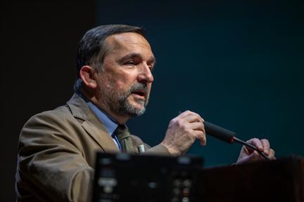 Lecture Series: Literatura en castellano en la España bilingüe (I). Otra Cataluña: de Enrique de Villena a Eduardo Mendoza