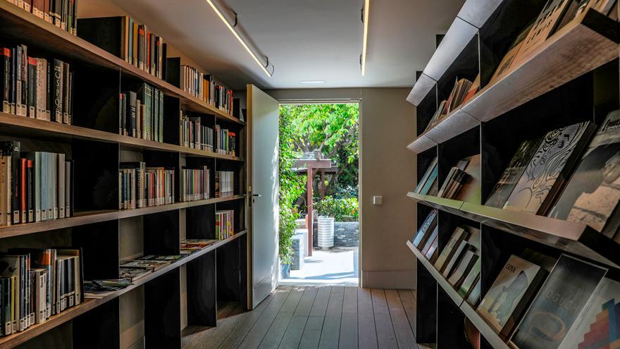 Instalaciones de la Biblioteca del Patio