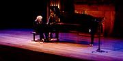Stefan Mickisch, piano